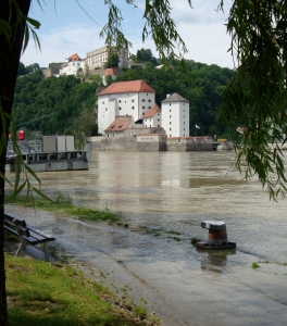 high waters at Passau in June 2009 the three rivers at Passau (among Danube and Inn) had high waters again and flodded parts of the town and banks » Uploaded by eschu1952